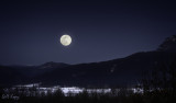 Moon_over_the_Valley