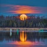 Setting Moon P1390677-83