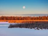 Wolf Moon Lowering Beyond The Swale DSCN47084.7