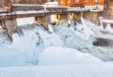 Water Control Weir Frozen Overflow DSCN48310