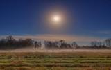 Hunter's Moon Over Ground Fog 90D07911-5