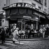 Quiet life in Paris (rue Lepic)