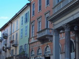 Colourful house fronts in Como
