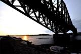 lever de soleil sous le pont