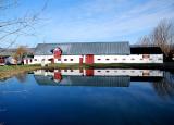 La grange et son reflet