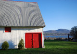 les portes rouges du paysage