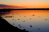 fleuve orange sous ciel orange