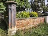 21st - Random Gatepost