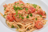 Linguine with Crab and Cherry Tomatoes