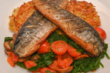 Mackerel on Rösti with Tomatoes, Mushrooms and Spinach