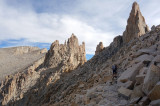Hiking north up the final slopes of Mt Whitney 4,421m