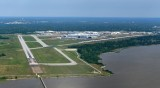 High Cross Wind landing at Mobile Downtown Airport and American Airlines Boeing 737 Parking, Alabama 384