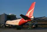 QANTAS BOEING 747 200 SYD RF 089 32.jpg
