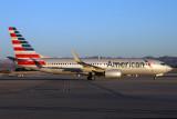 AMERICAN BOEING 737 800 LAS RF IMG_8973.jpg