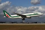 ALITALIA AIRBUS A330 200 MIA RF 5K5A9563.jpg