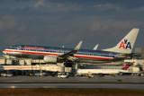 AMERICAN BOEING 737 800 MIA RF 5K5A9211.jpg