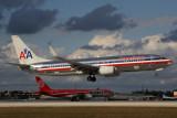 AMERICAN BOEING 737 800 MIA RF 5K5A9359.jpg