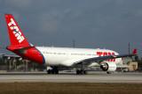 TAM AIRBUS A330 200 MIA RF 5K5A9604.jpg