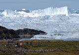 Approaching the Sermermiu glacier