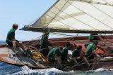 24 Douarnenez 2006 - Jeudi 27 juillet - Pen Duick 1er voilier mythique d'Eric Tabarly