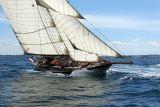 9 Douarnenez 2006 - Jeudi 27 juillet - Pen Duick 1er voilier mythique d'Eric Tabarly