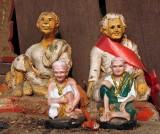 Spirit house figurines