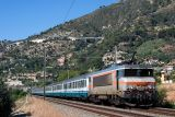 An Italian composition for the train Nice-Milano and the BB22339, near Ventimiglia.