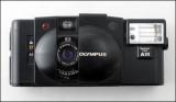 04 Olympus XA2.jpg