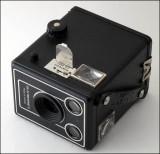 04 Kodak Six-20 Brownie D.jpg
