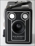 03 Kodak Six-20 Brownie D.jpg
