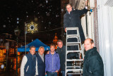 Wethouder Wijnmalen ontsteekt nieuwe feestverlichting