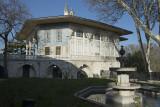 Istanbul Topkapi museum december 2012 6318.jpg
