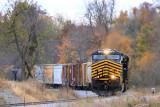 NS 124 rolls across single track near Moreland KY