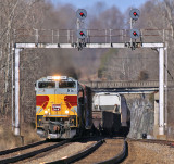 Southbound NS 117 tops over Kings Mountain with NS 1074 on the point