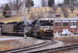 NS 1050 brings P&L train LSX1 off the Armstrong mine lead at McHenry Ky