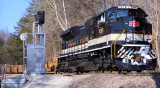 NS I-23 eases down Duncan Hill, passing a soon to be gone set of Southern searchlight signals