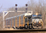 NS 275 under the signals at Palm