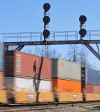 I would love to have seen all the things those old signals have seen pass under them. NS 23G streaks South at Jct. City
