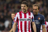 Frame 1 (having fun): Mark van Bommel and Joris Mathijsen