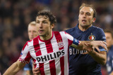 Frame 2 (focused): Mark van Bommel and Joris Mathijsen