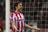 Mark van Bommel scores the winning goal