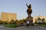 Tashkent, statue of Timur