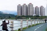 housing estate en route