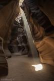 Antelope Canyon lightbeam.jpg