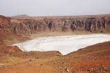 warna putih di kawah Al- Wahbah