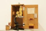 Ernst Leitz microscope 1894.jpg