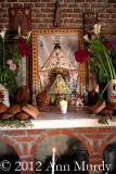 Altar con la  Virgen de la Juquila