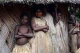 Yakel girls, Louinio Nambas Kastom Village