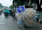 portable airbags or plastic bottles, Hanoi, Vietnam