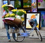 flower lady on Pho Gia Ngu street, Hanoi Old Quarter, Hanoi, Vietnam